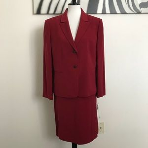 NWT TAHARI RED SKIRT SUIT SIZE 16P